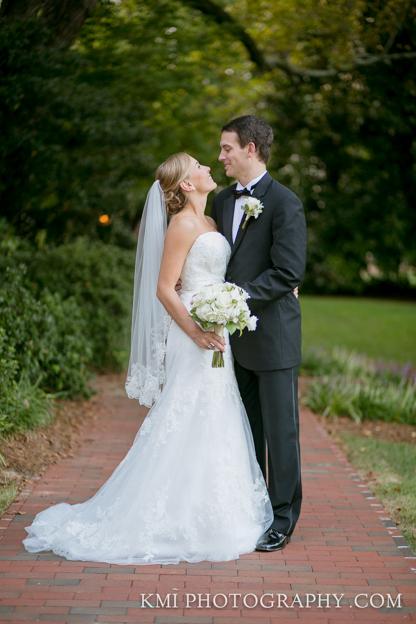Carolina Inn Wedding Photos Chapel Hill NC   www.kmiphotography.com   North Carolina Wedding Photographers